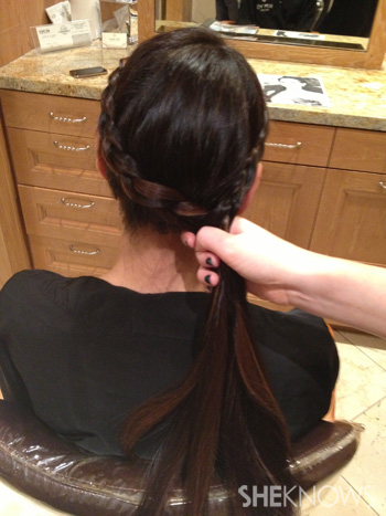 Get Lucy Liu's hairstyle from the 2013 Golden Globes -- Step 5