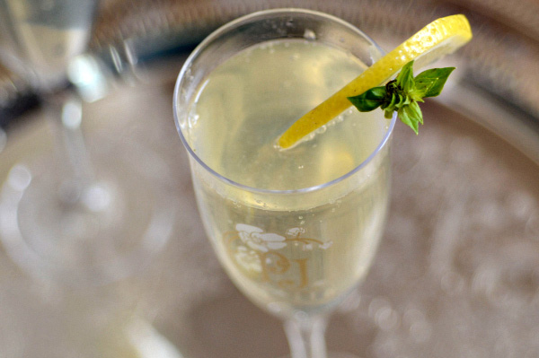 How to make signature drinks for the oscar french
