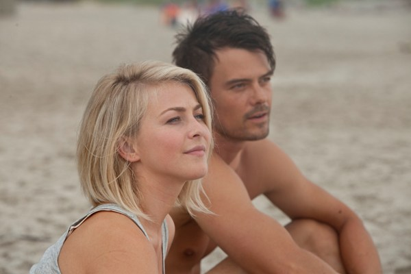 Julianne Hough and Josh Duhamel, Safe Haven