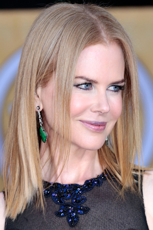 Nicole Kidman's hair goes really flat