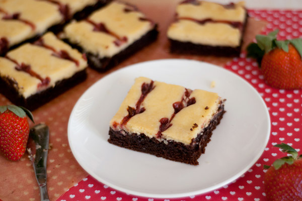 Raspberry cheesecake swirl brownies recipe