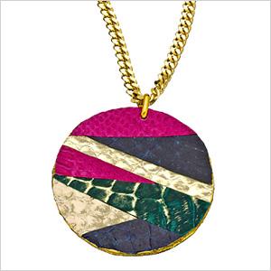 Get-noticed necklace