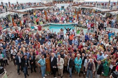 2013-tcm-cruise-group-shot