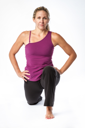 woman exercising lunging