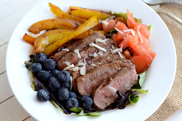 Grilled steak salad with tangy raspberry vinaigrette