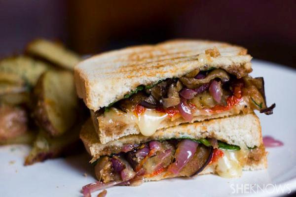 Portobello picnic sandwich
