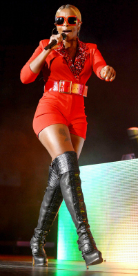 Mary J Blige performing in Miami