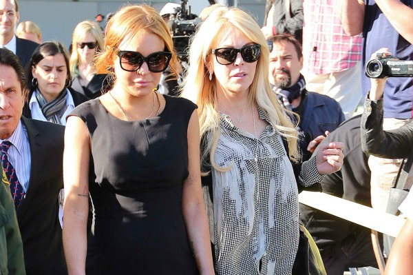 Lindsay Lohan and Dina Lohan Leaving Court