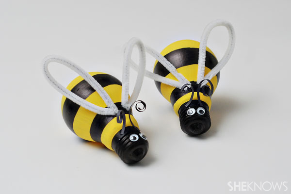 Spring light bulb bumblebee craft