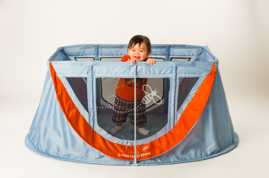 ParentLab journeyBee portable crib