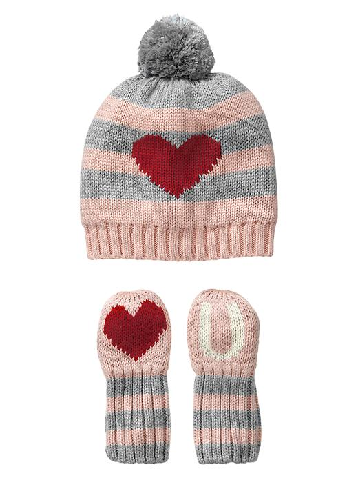 Valentine's Day outfit: Love U hat from Gap
