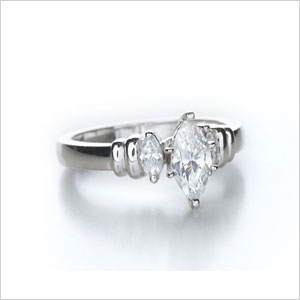 Engagement ring shape