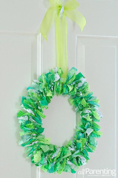allParenting St Patricks day rag wreath