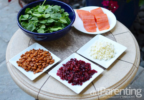 Spinach salad with grilled salmon Ingredients