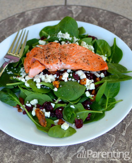 Spinach salad with grilled salmon final vertical