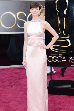 Anne Hathaway in Prada at the Oscars