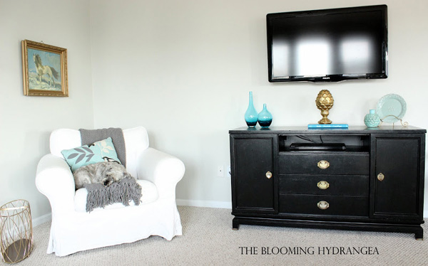 the blooming hydrangea tv stand