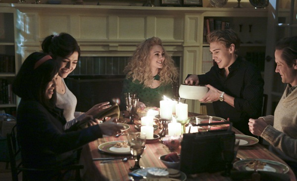 The Carrie Diaries Thanksgiving 