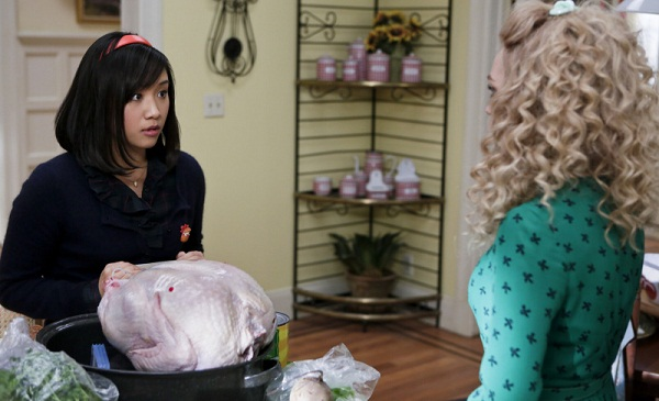 The Carrie Diaries: Mouse helps out with Thanksgiving