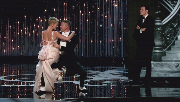 Charlize and Channing dance at Oscars