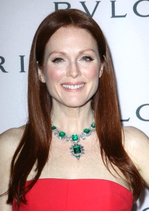 Julianne Moore models $6.1 million necklace