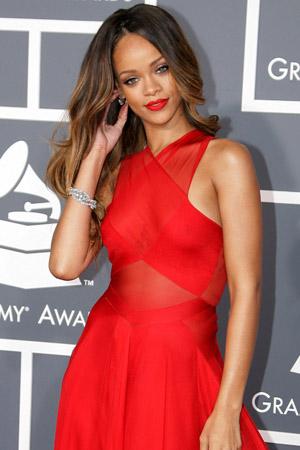 Rihanna Grammys makeup