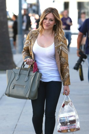 """Hilary Duff lost a """"s*** ton of weight"""" since giving birth Hilary Duff Weight"""