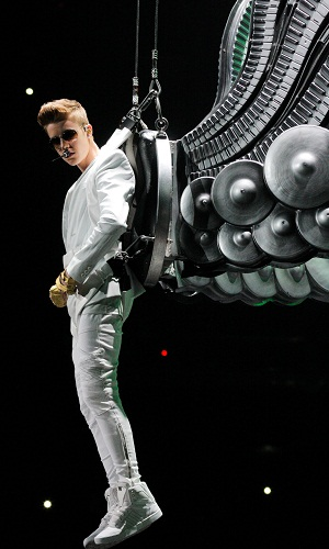 Nothin' will hold back Bieber on Saturday Night