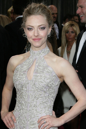 Amanda Seyfried's makeup at the 2013 Oscars