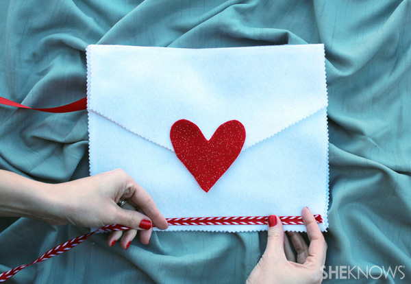 Add a border to the envelope