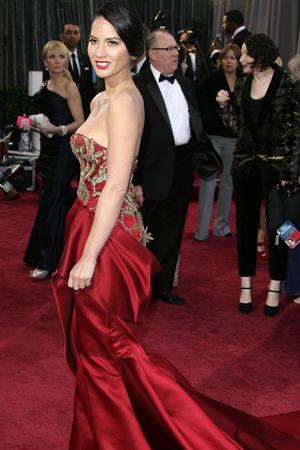 Olivia Munn at the 2013 Oscars