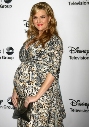 It's a girl for actress Sara Rue!