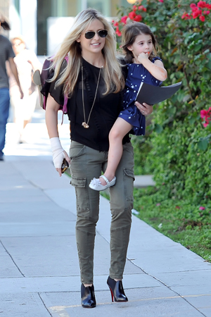 Sarah Michelle Gellar with daughter Charlotte