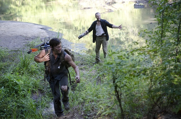 Daryl finally leaves Merle