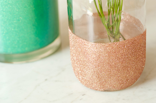 DIY glittery vases