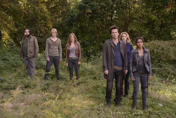 The cast will dish on Season 1 action