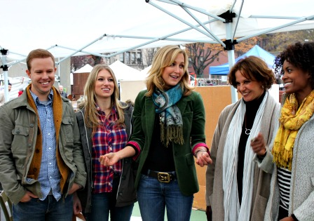 Lara Spencer hosting Flea Market Flips