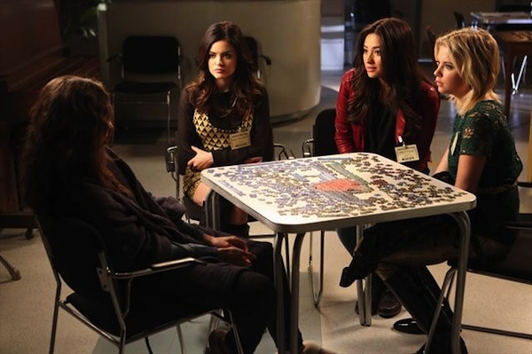 the girls try to convince spencer Toby isn't dead