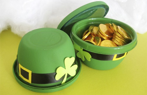 Leprechaun hat favors