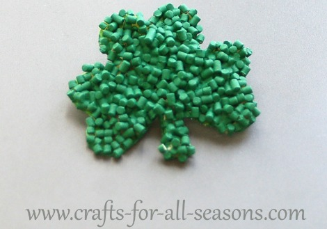 Crafts for all season- Shamrock pasta magnet