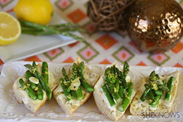 Roasted asparagus and brie bruschetta