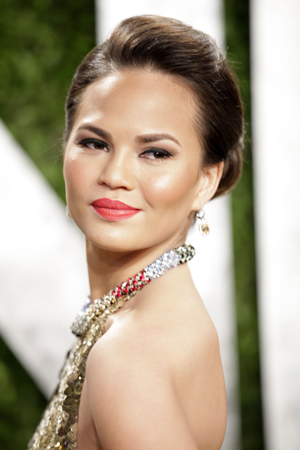 chrissy teigen tweets nude photo