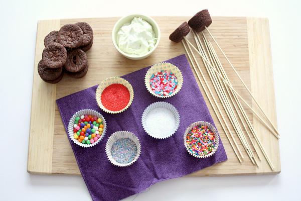 DIY dipping dessert