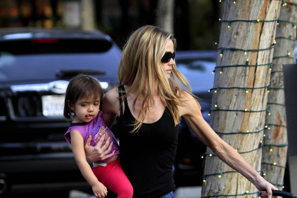 Denise Richards arms