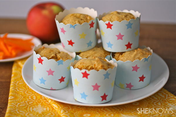 Applesauce-carrot muffins