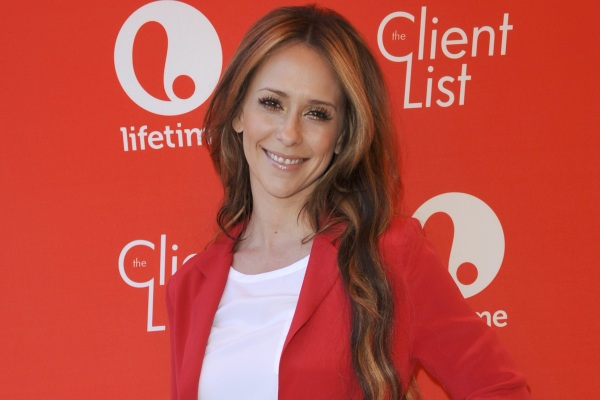 Jennifer Love Hewitt, The Client List season 2
