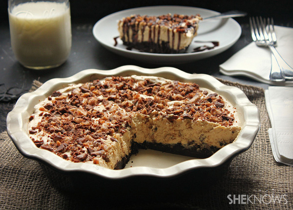Black bottom candy bar pie