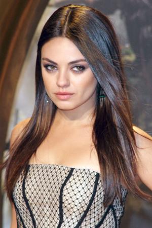 Mila Kunis in Laura Mercier makeup