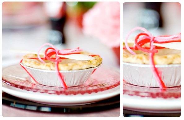 mini pies wedding favor