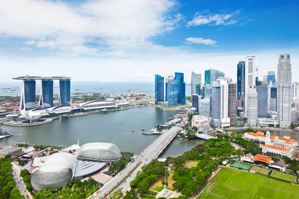 "Say ""yes"" to Singapore"